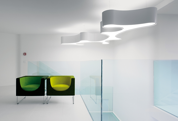 AMEBA_ceiling_lamp_Pete_sans_VIBIA_BOY_Awards_Winner_01