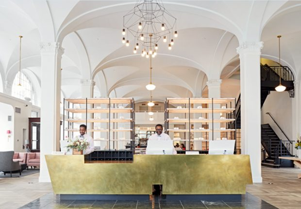 Vibia Wireflow Chandelier - The Quirk Hotel