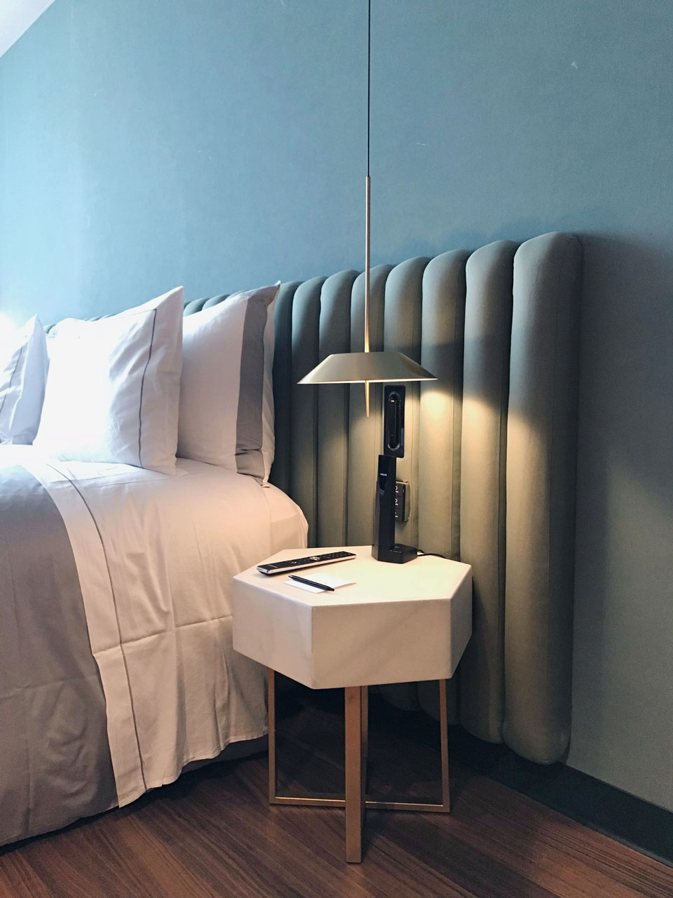 Vibia - Stories -Hotel bedroom lighting - Sofia Hotel - Mayfair 1
