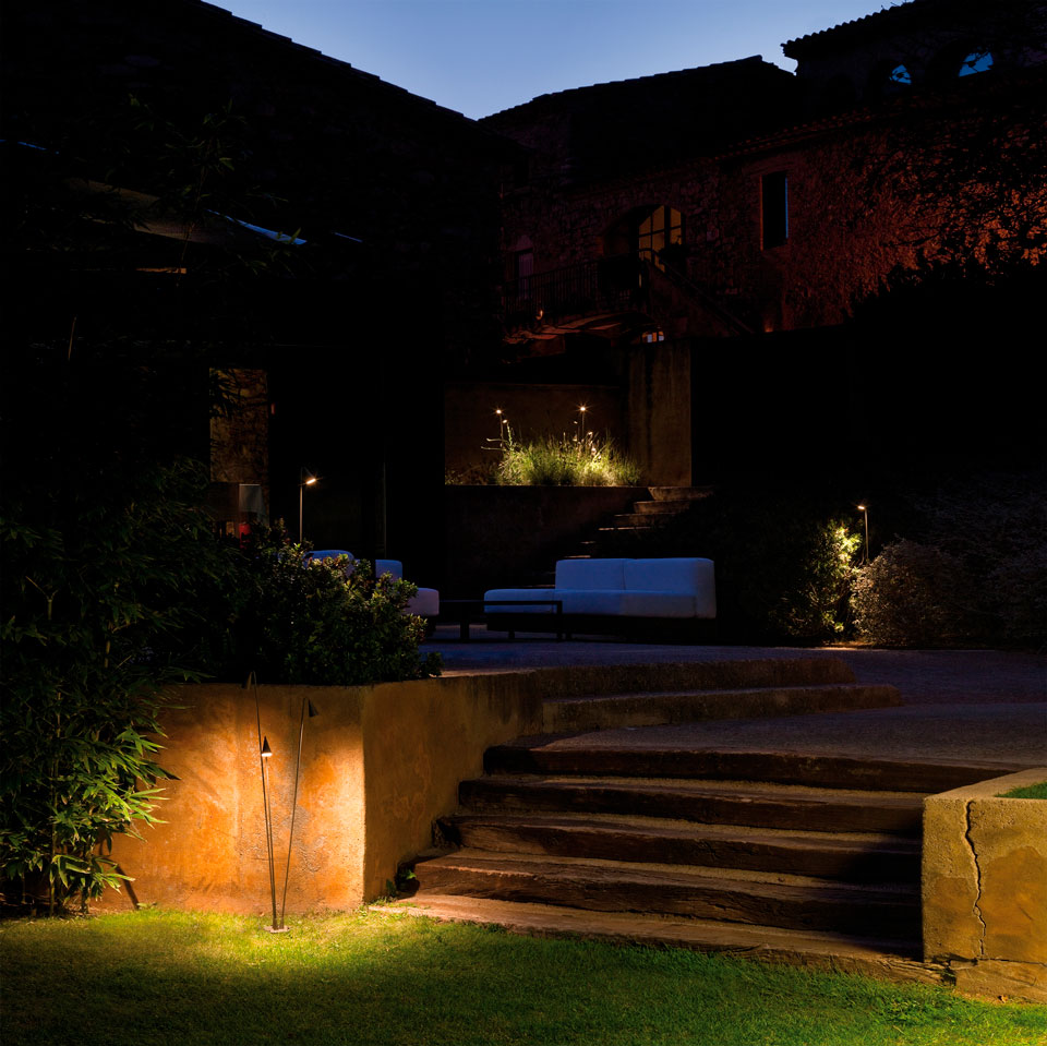 Vibia - Stories - Garden Path Lighting - Brisa