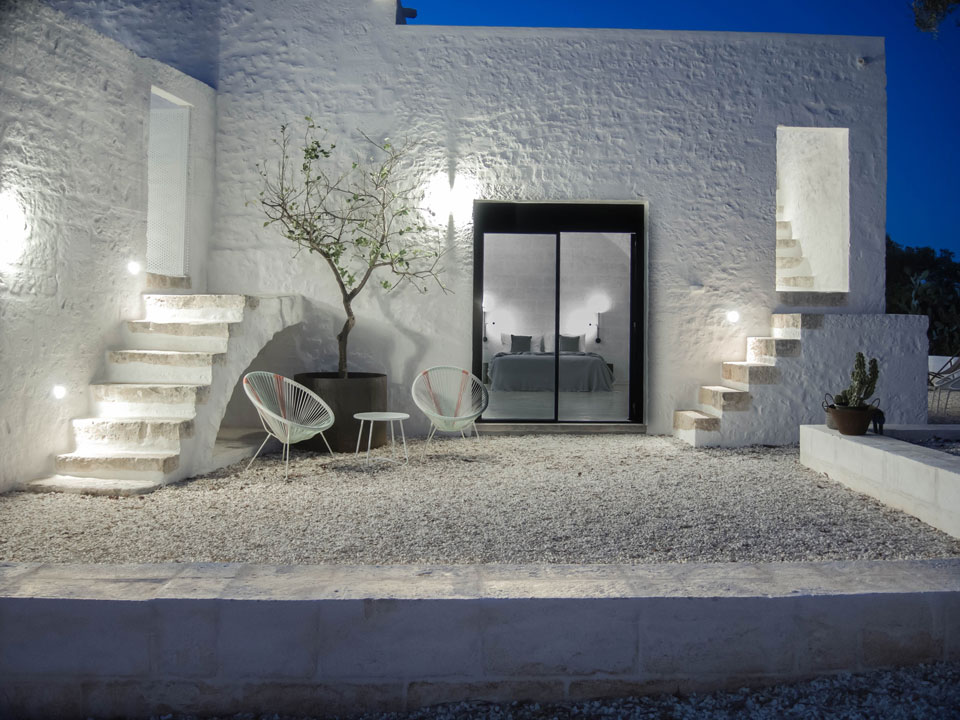vibia - the edit - best hotels - pin - Patio2