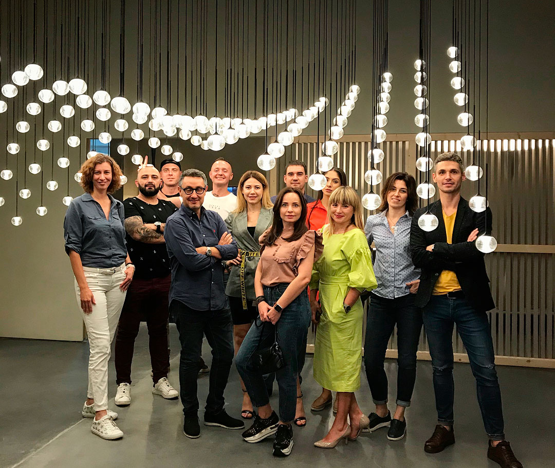 Vibia The Edit - Instagram Love - HQ Visitors