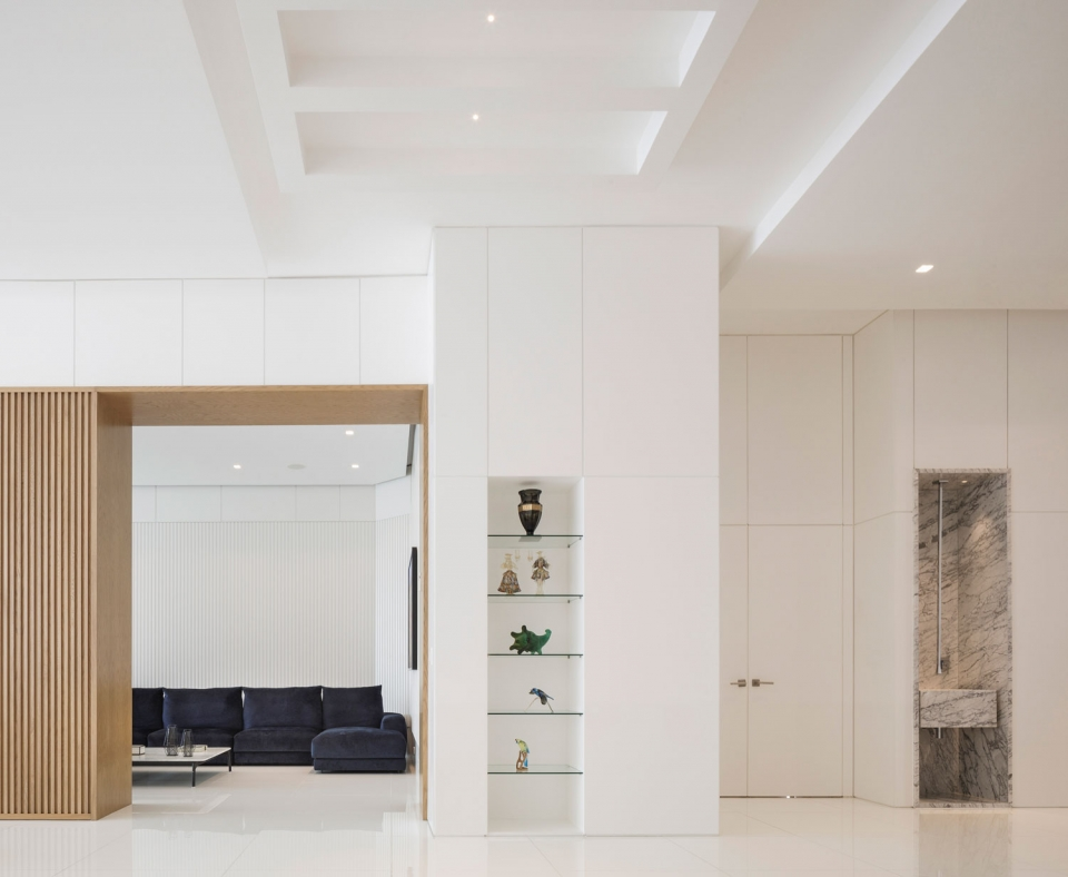 Vibia The Edit - A Contemporary Panama City Apartment