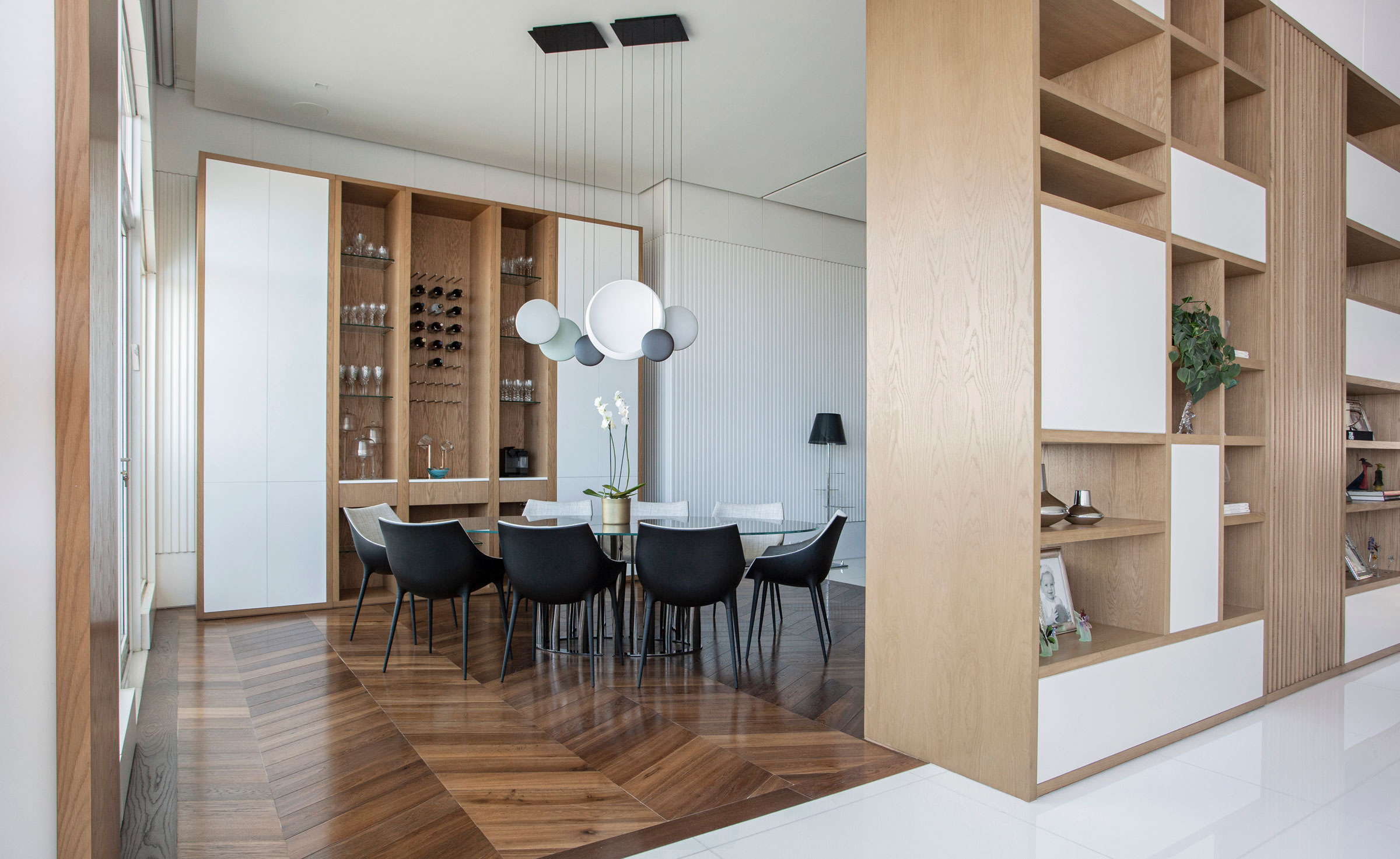 Vibia The Edit - A Contemporary Panama City Apartment - Cosmos