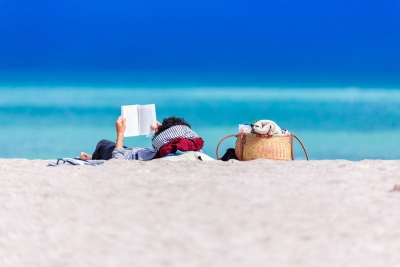 Vibia The Edit - Vibia's Summer Reading List
