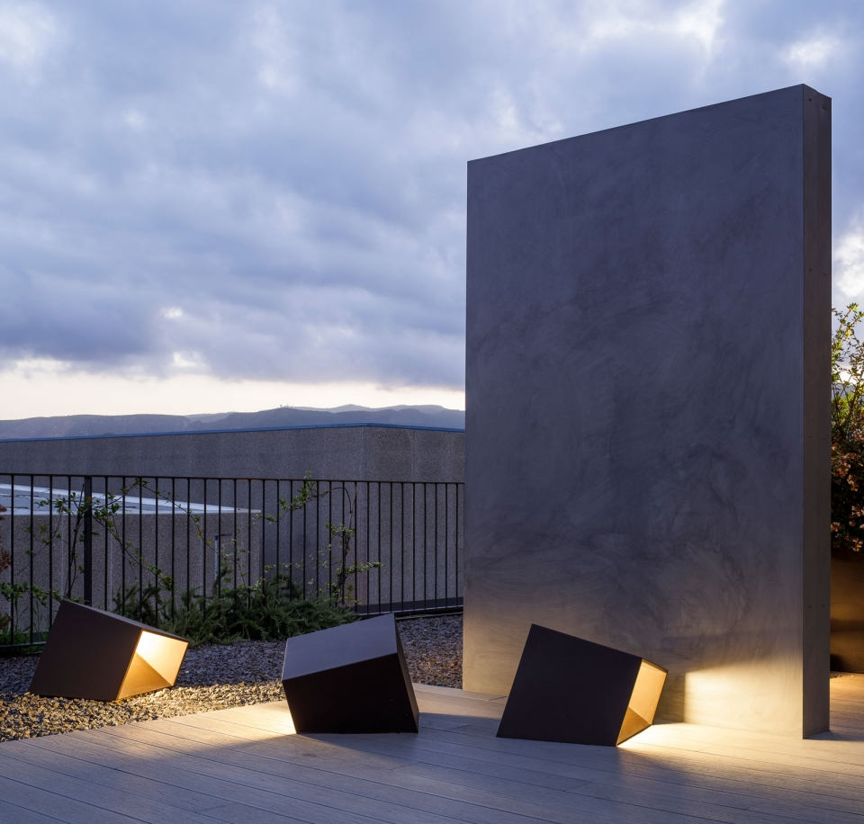 Vibia The Edit - Vibia Headquarters' Terraces: Display of Outdoor Lighting Collections - Break