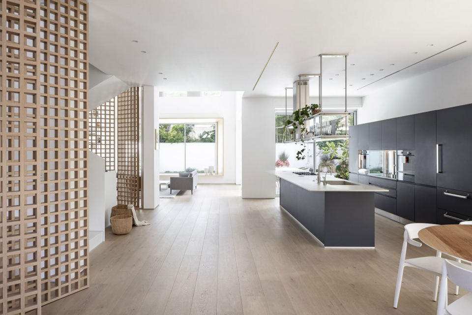 Vibia The Edit - Tel Aviv Designer Selects Structural for a Contemporary Residence