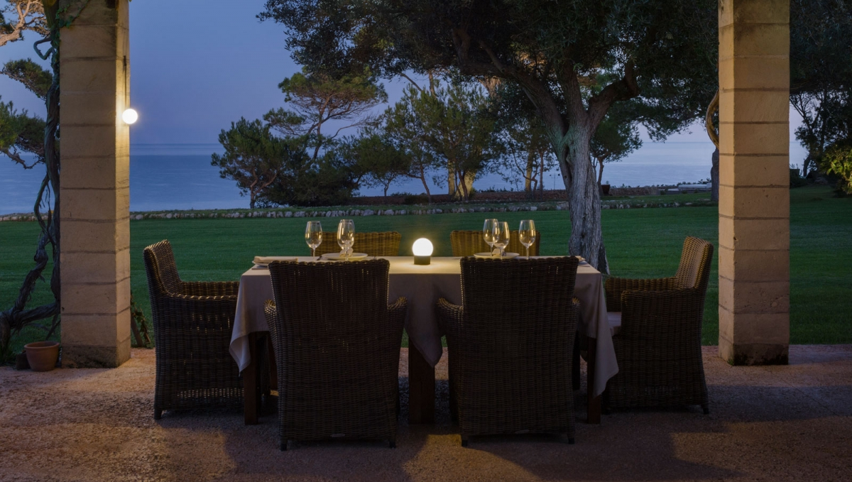 Vibia The Edit - Inspired Ideas for Illuminating Your Outdoor Space - June